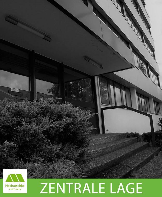 Gepflegtes Büro- und Verwaltungsgebäude mit zusätzlichem Lager- und Fertigungsgebäude