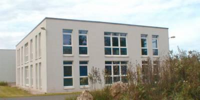 Vermittlung eines neuen Betriebsstandortes für Produktion und Verwaltung