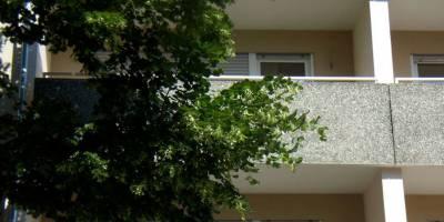 Modernes Mehrfamilienhaus am Nürnberger Luitpoldhain an neuen Eigentümer übergeben