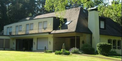 Einmalige Villa inmitten der Metropolregion vermittelt